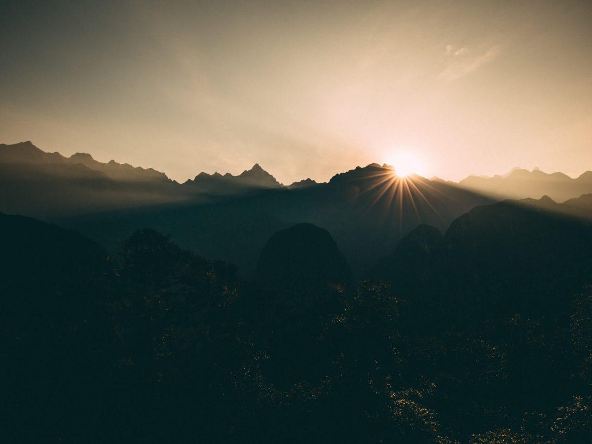 Wake up with horizon at top