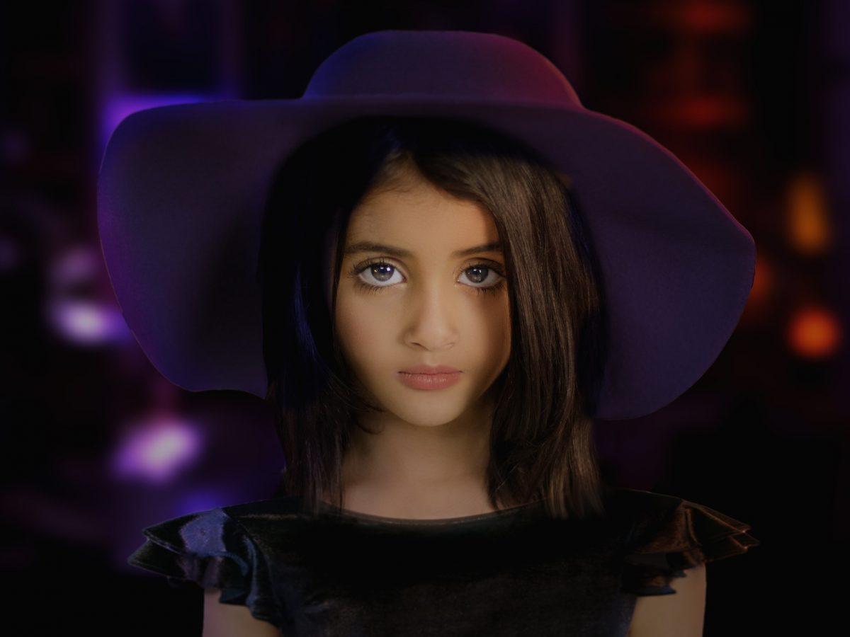 Dark side of girl with dark hat wow !!