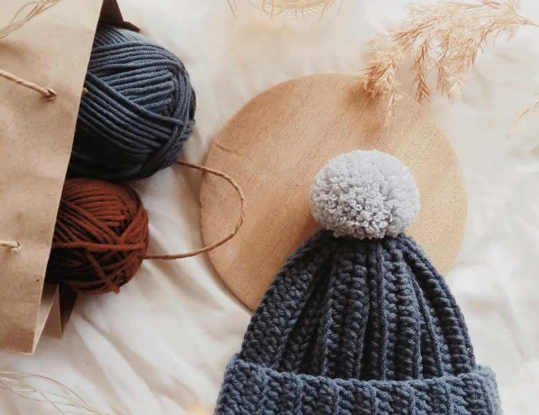 Fashionable  woolen hat for cold weather